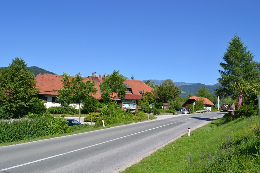 Prodnik Inn from the main road